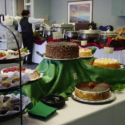 a display of a variety of cakes