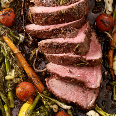 Slice Beef Roast with vegetable in a tray