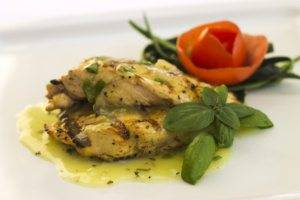 Grilled chicken with thyme sauce