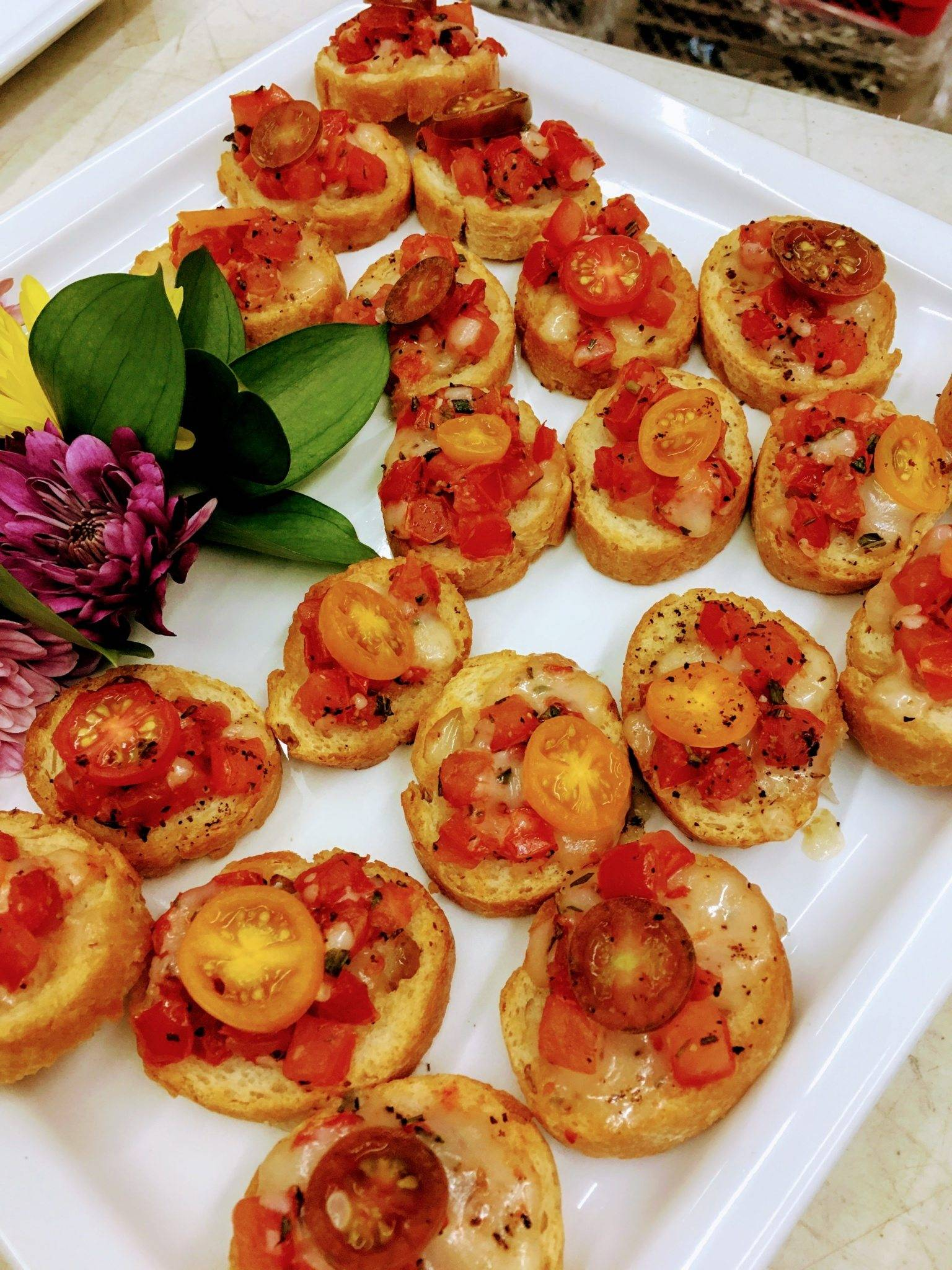 Crostinis with Mozzarella Cheese and Tomato