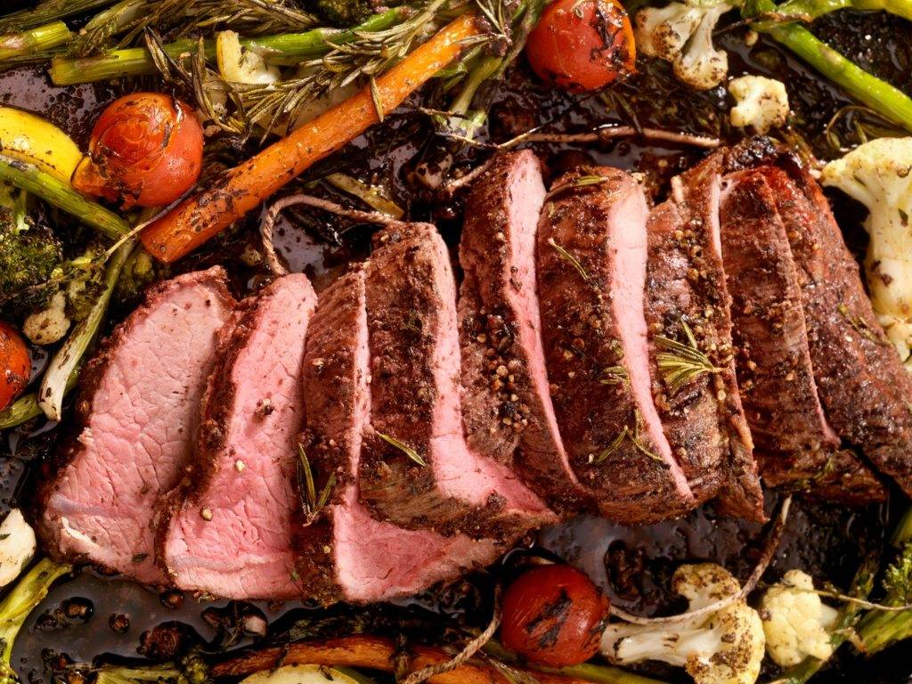 Sliced Roast Beef with Vegetables